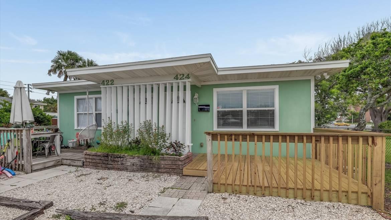 Amazing Duplex in North Jax Beach – ONLY 4 blocks to the ocean